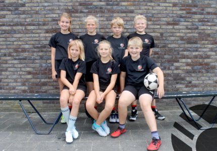 K.V. Mid-Fryslân / Jansma Burdaard D2 Seizoen 2021/2022